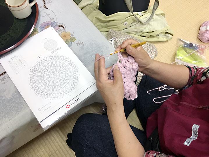 集会後|月一度の編み物教室