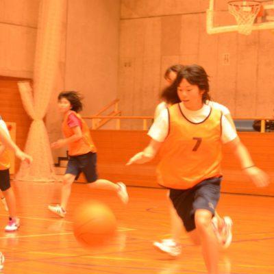 バスケットボール。一進一退の攻防で白熱しました!