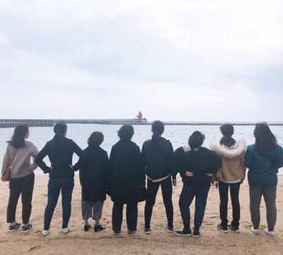 海を眺めて記念写真♪